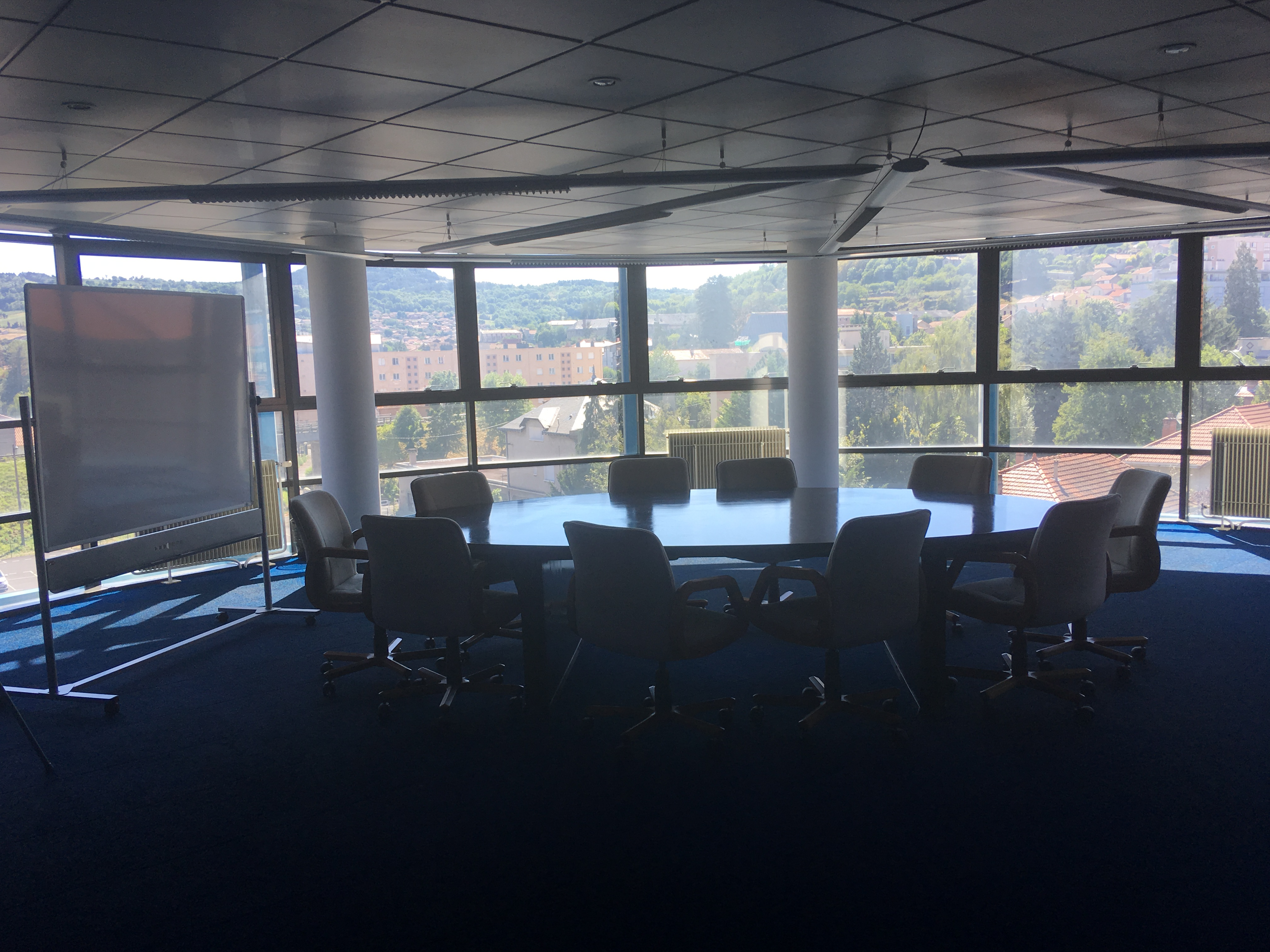 Photo salle de réunion 2